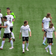 Två snabba mål i början av andra halvlek avgjorde matchen.